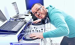 DJ Parazit Crezik prod : Des Dj's Toulousains passionnés